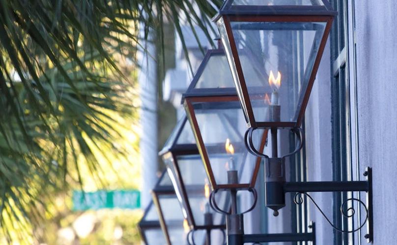 gas lanterns on street